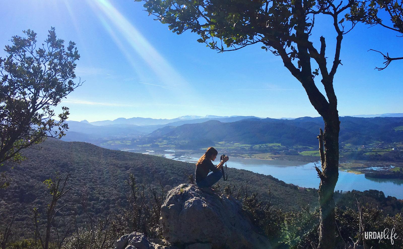 Fotografía desde San Pedro Atxarre, con la ría al fondo