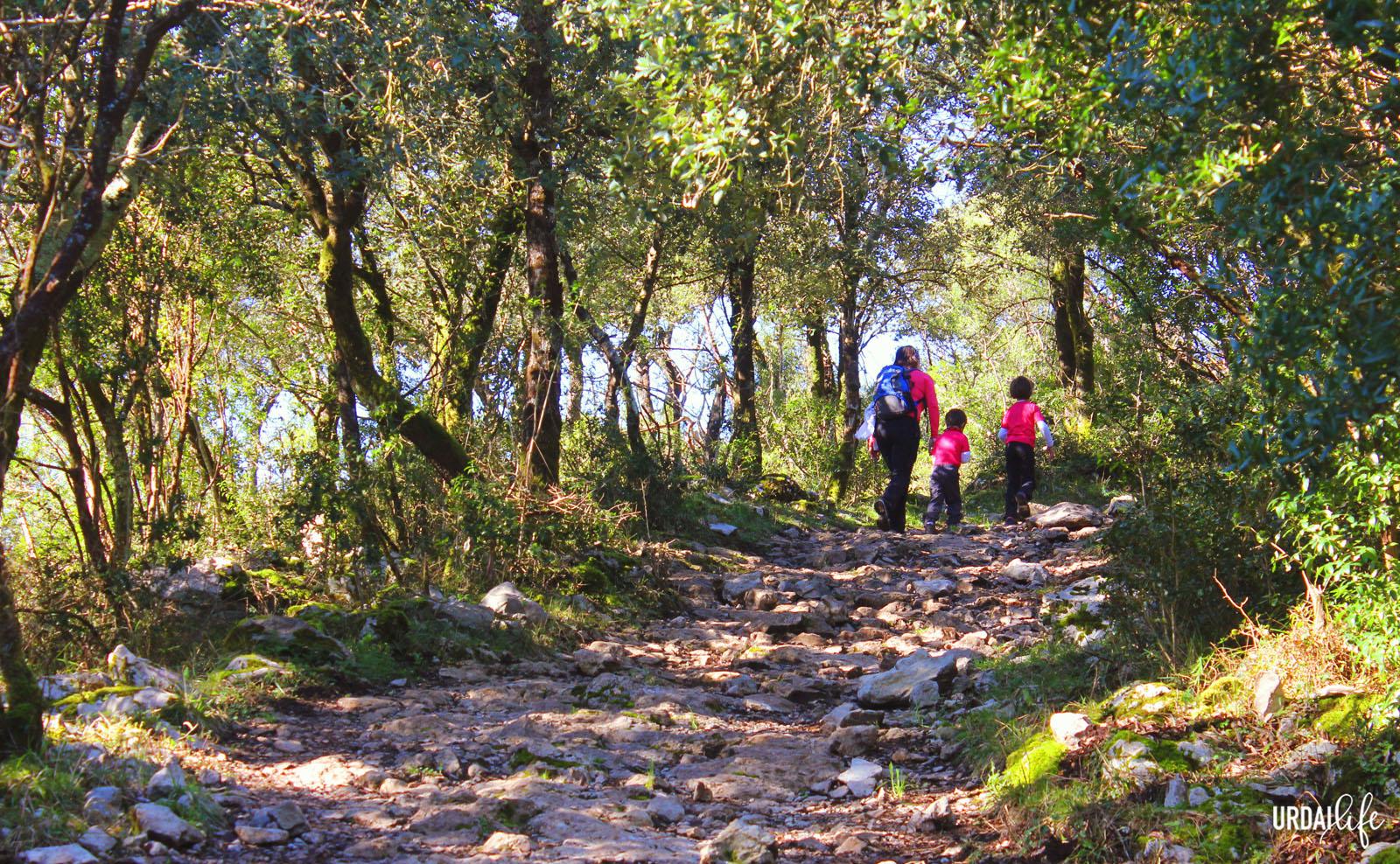 Excursión con niños a San Pedro Atxarre