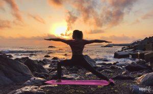 Hacer yoga al aire libre en Bermeo