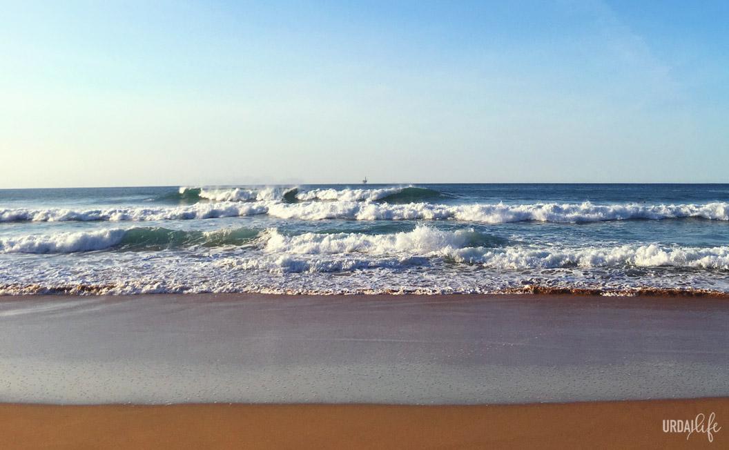 Olas en la playa de Laga (Ibarrangelu), playas de Urdaibai, Bizkaia
