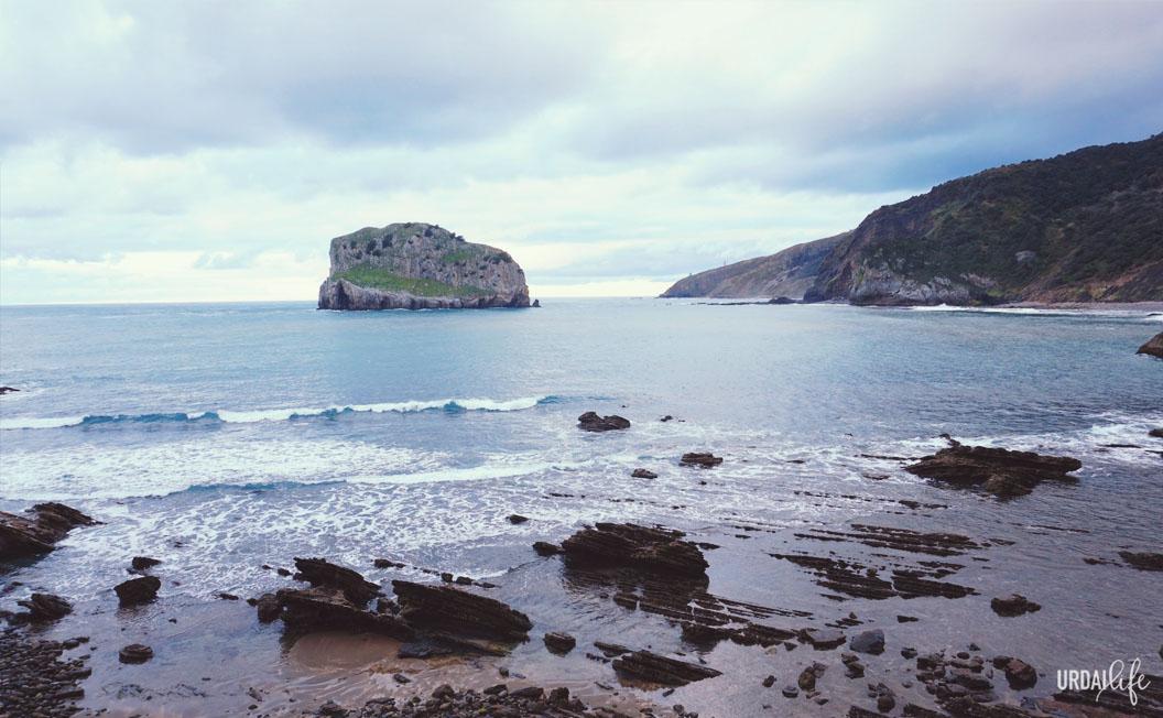 Vistas a Matxitxako y Akatz desde San Juan de Gaztelugatxe