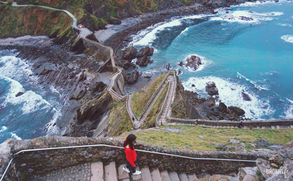 San Juan de Gaztelugatxe, 241 escaleras para subir a la ermita